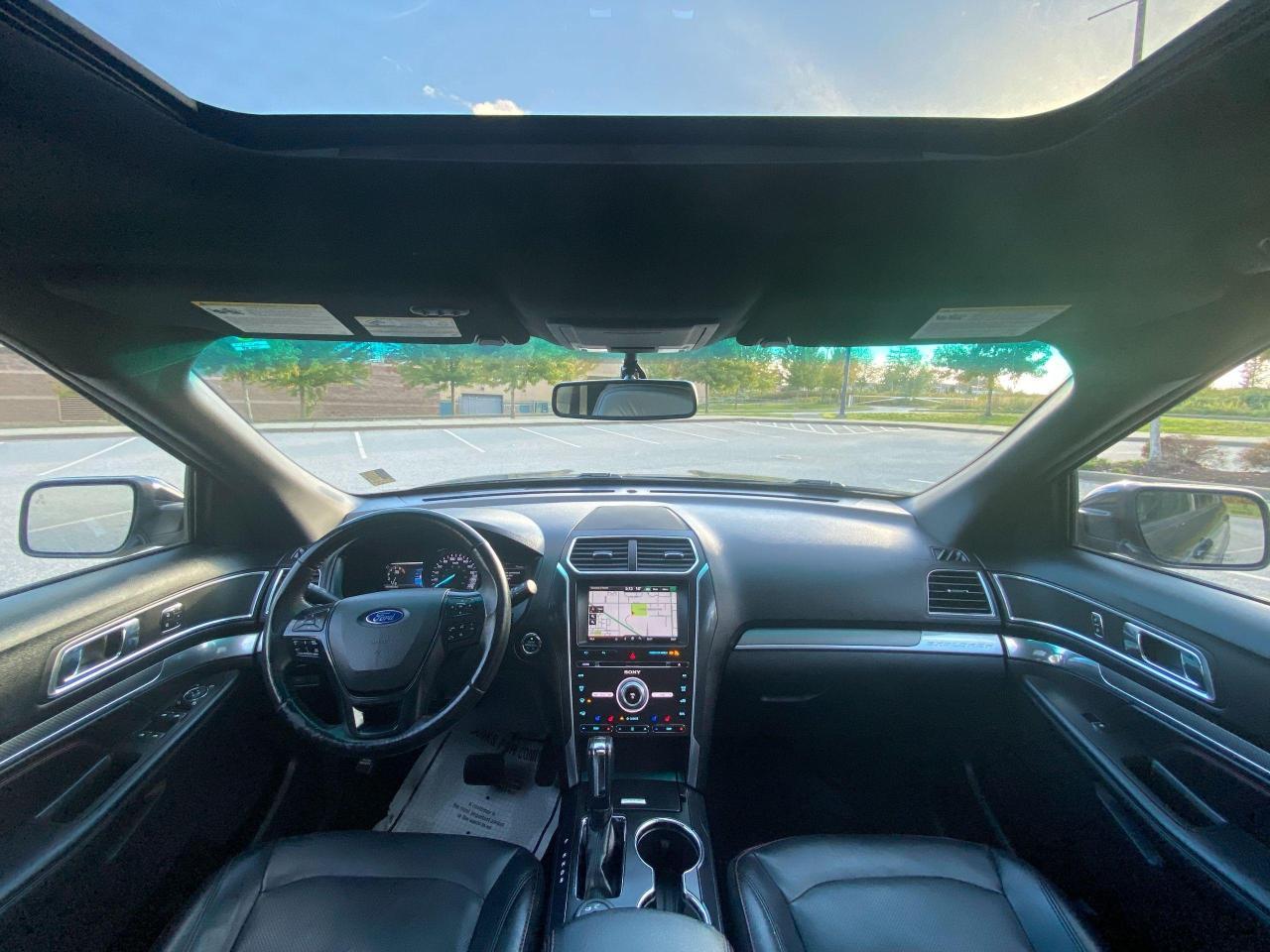 2016 Ford Explorer SPORT Photo18