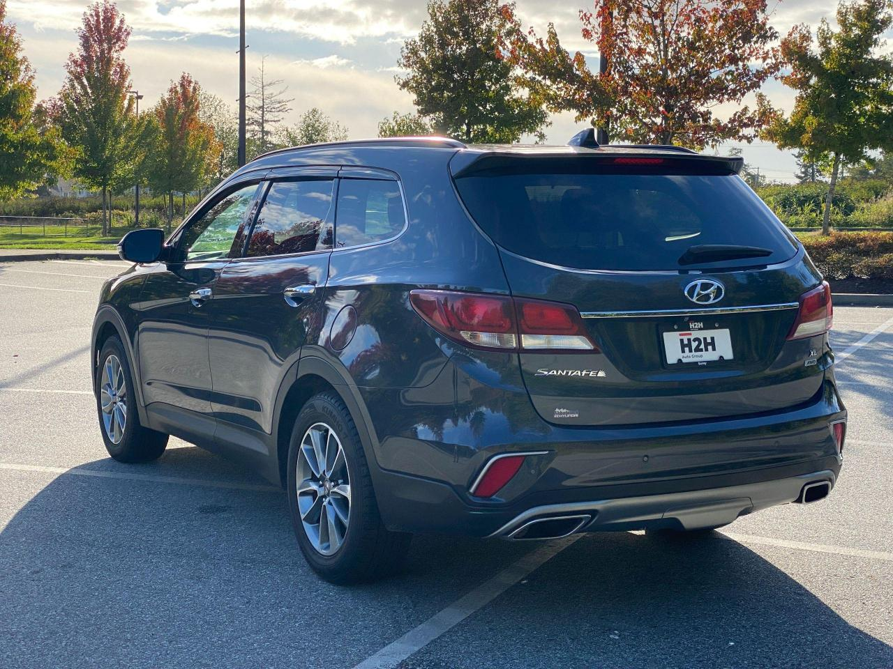 2017 Hyundai Santa Fe XL Ultimate Photo3