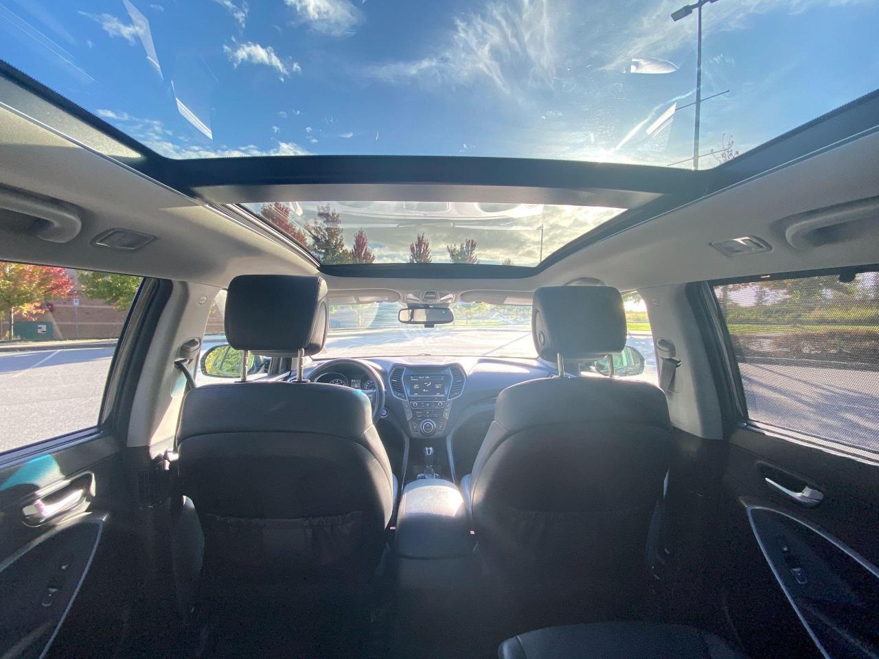 2017 Hyundai Santa Fe XL Ultimate Photo14