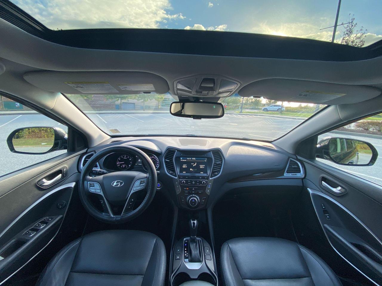 2017 Hyundai Santa Fe XL Ultimate Photo16