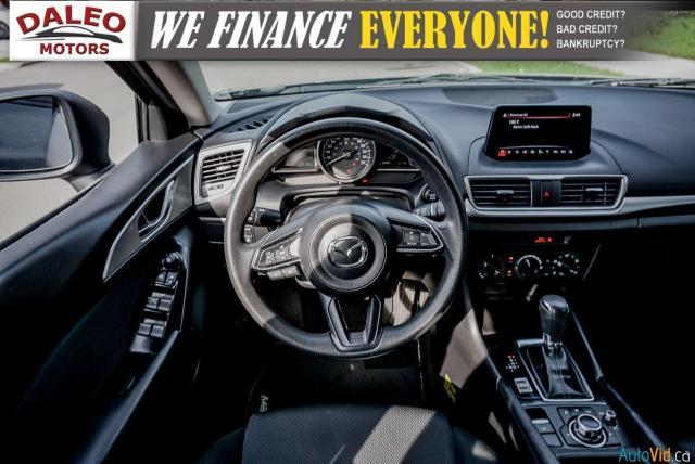 2018 Mazda MAZDA3 GX / KEYLESS START / BACK UP CAMERA / Photo15