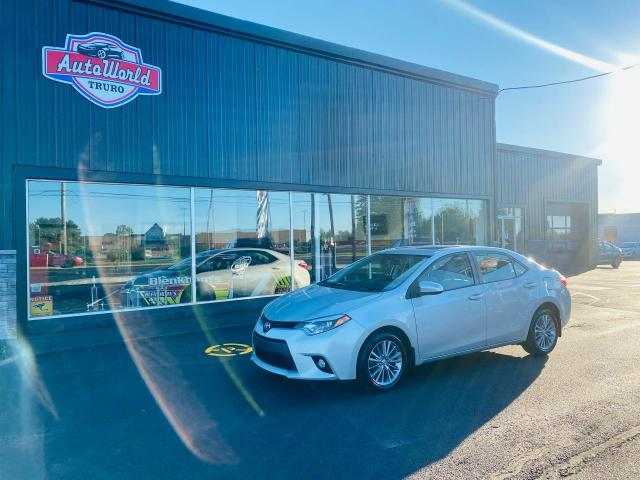 2014 Toyota Corolla LE Upgrade Package / Clean Car Fax / Sunroof /