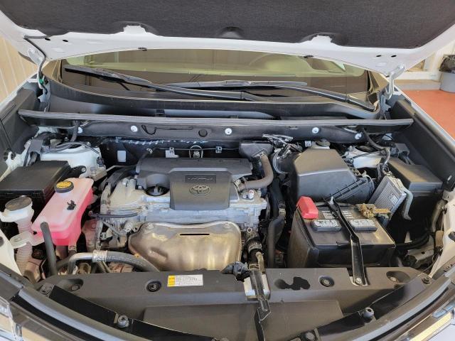2018 Toyota RAV4 LE FWD Photo6
