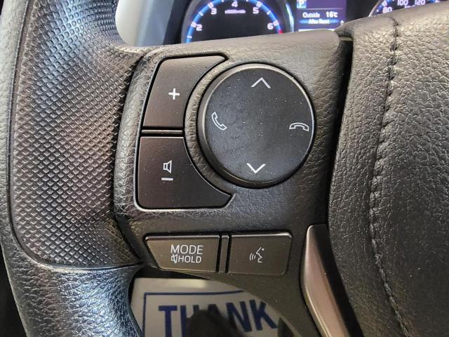 2018 Toyota RAV4 LE FWD Photo12