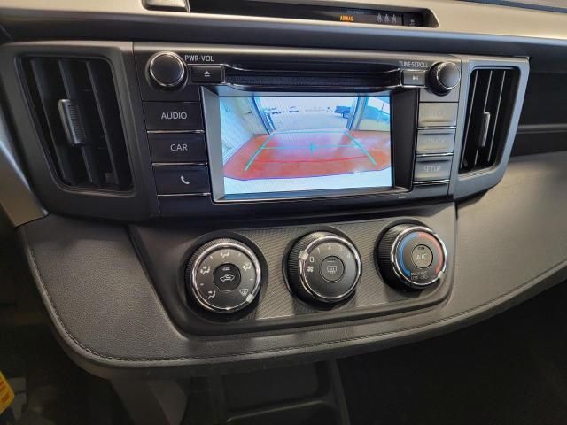 2018 Toyota RAV4 LE FWD Photo16