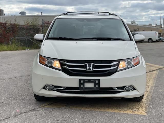 2016 Honda Odyssey Touring Navigation /Sunroof /DVD /8 Pass Photo8