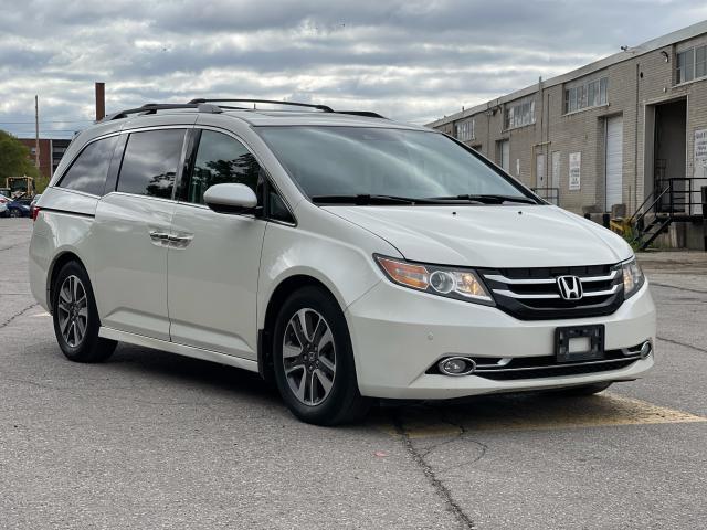 2016 Honda Odyssey Touring Navigation /Sunroof /DVD /8 Pass Photo7