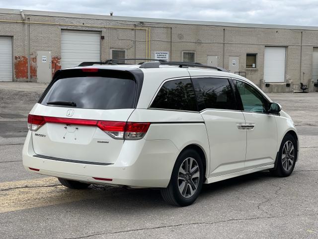 2016 Honda Odyssey Touring Navigation /Sunroof /DVD /8 Pass Photo6