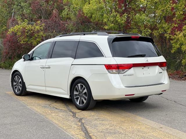 2016 Honda Odyssey Touring Navigation /Sunroof /DVD /8 Pass Photo4