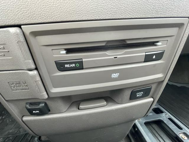 2014 Honda Odyssey Touring Navigation /Sunroof /DVD /8 Pass Photo16