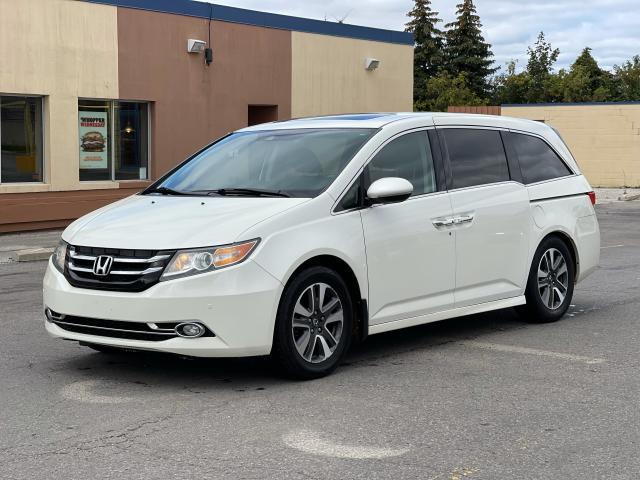 2014 Honda Odyssey Touring Navigation /Sunroof /DVD /8 Pass Photo2