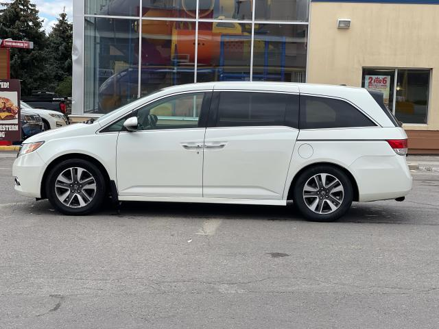 2014 Honda Odyssey Touring Navigation /Sunroof /DVD /8 Pass Photo3