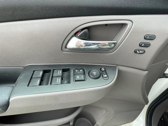 2014 Honda Odyssey Touring Navigation /Sunroof /DVD /8 Pass Photo12