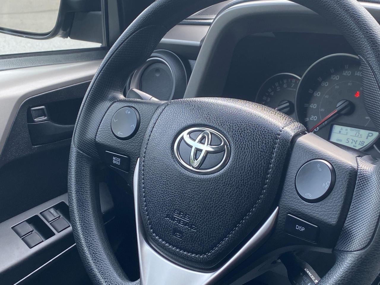 2016 Toyota RAV4 LE Photo15