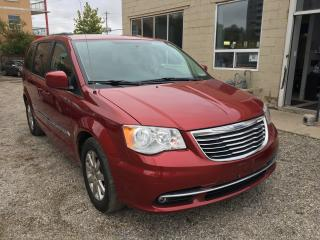 Used 2013 Chrysler Town & Country TOURING for sale in Waterloo, ON
