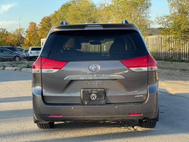 2014 Toyota Sienna Limited Navigation /DVD/Panoramic Sunroof Photo4