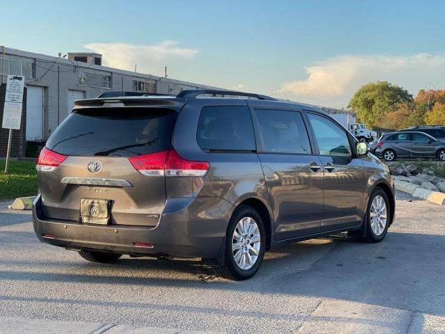 2014 Toyota Sienna Limited Navigation /DVD/Panoramic Sunroof Photo5