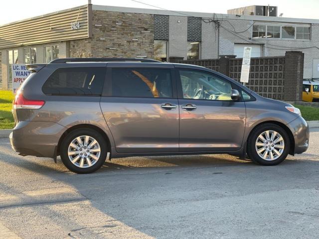 2014 Toyota Sienna Limited Navigation /DVD/Panoramic Sunroof Photo6