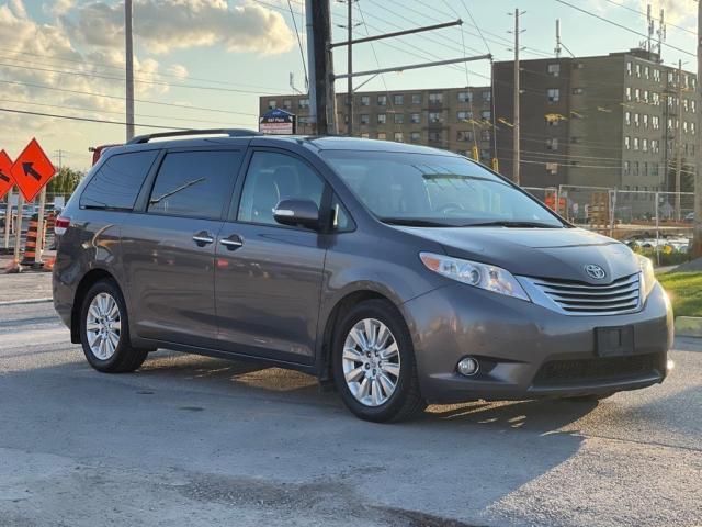 2014 Toyota Sienna Limited Navigation /DVD/Panoramic Sunroof Photo7