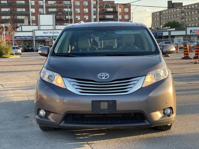 2014 Toyota Sienna Limited Navigation /DVD/Panoramic Sunroof Photo8