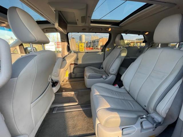 2014 Toyota Sienna Limited Navigation /DVD/Panoramic Sunroof Photo10