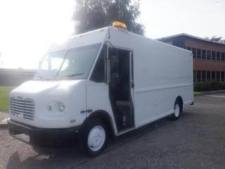 Used 2005 Freightliner M-Line Walk-in Cargo Cube Van Diesel for sale in Burnaby, BC
