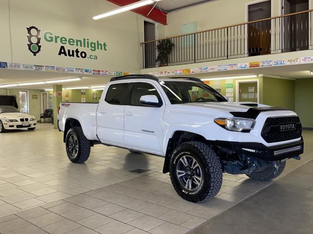 2016 Toyota Tacoma TRD Sport Photo3