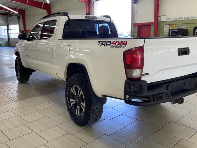 2016 Toyota Tacoma TRD Sport Photo6