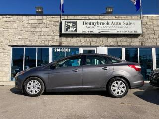 Used 2013 Ford Focus SE/SUNROOF/BLUTOOTH/HEATED SEATS/LOW KMS for sale in Calgary, AB