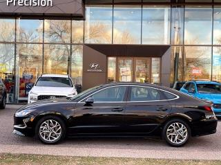 Used 2021 Hyundai Sonata PREFERRED w/ LOW KMS  / BLIND SPOT DETECTION for sale in Calgary, AB