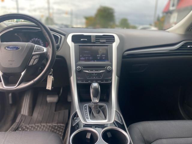 2013 Ford Fusion SE Photo6
