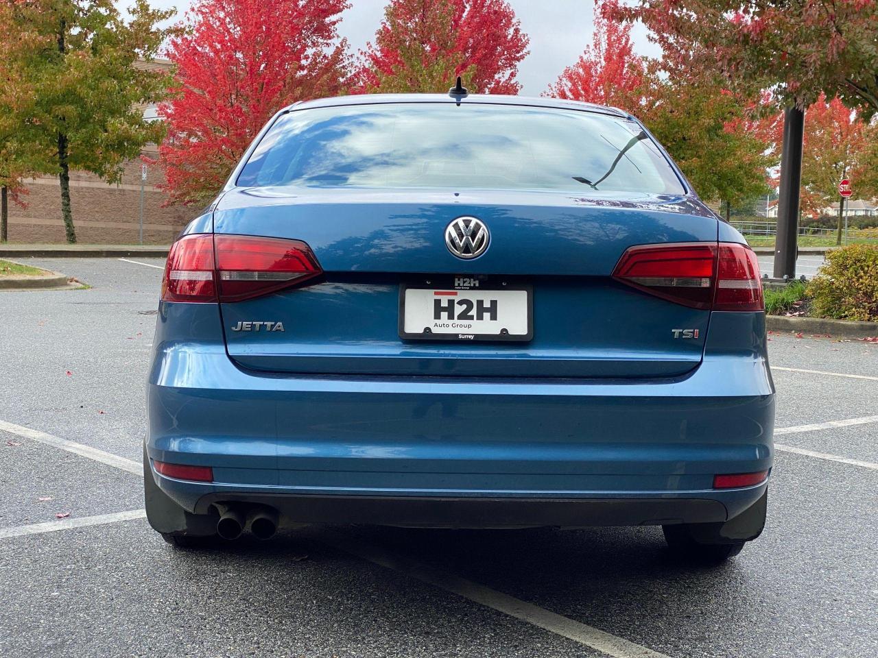 2017 Volkswagen Jetta TRENDLINE+ Photo4