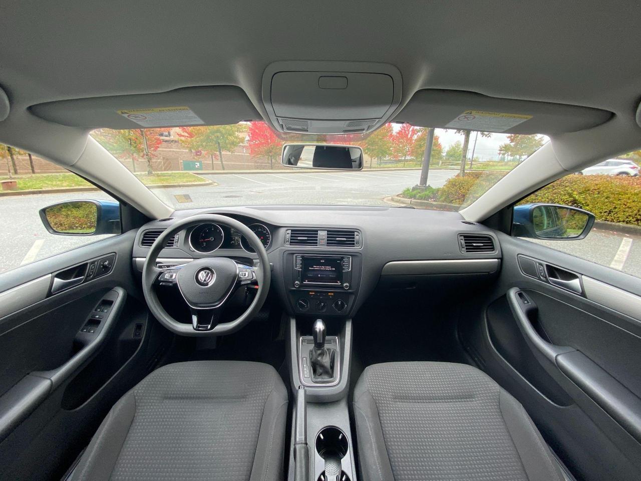 2017 Volkswagen Jetta TRENDLINE+ Photo11