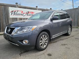 Used 2014 Nissan Pathfinder SV for sale in Stittsville, ON