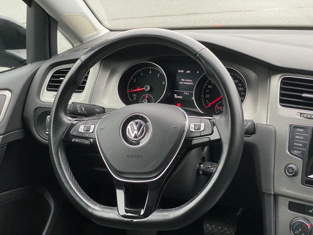 2015 Volkswagen Golf TRENDLINE Photo14