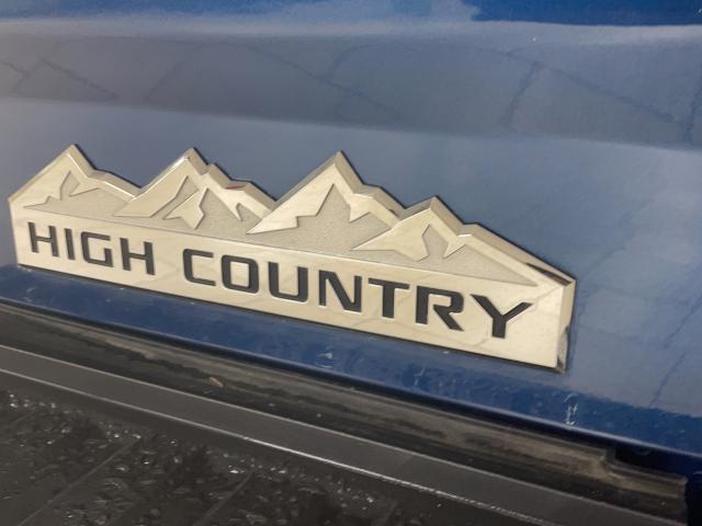 2017 Chevrolet Silverado 1500 High Country Photo8