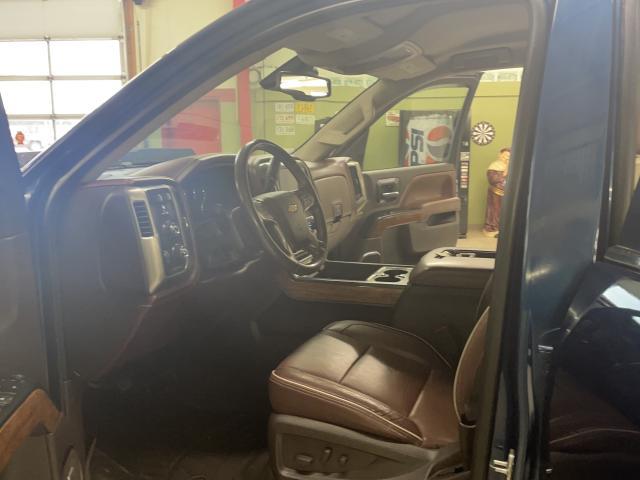 2017 Chevrolet Silverado 1500 High Country Photo12