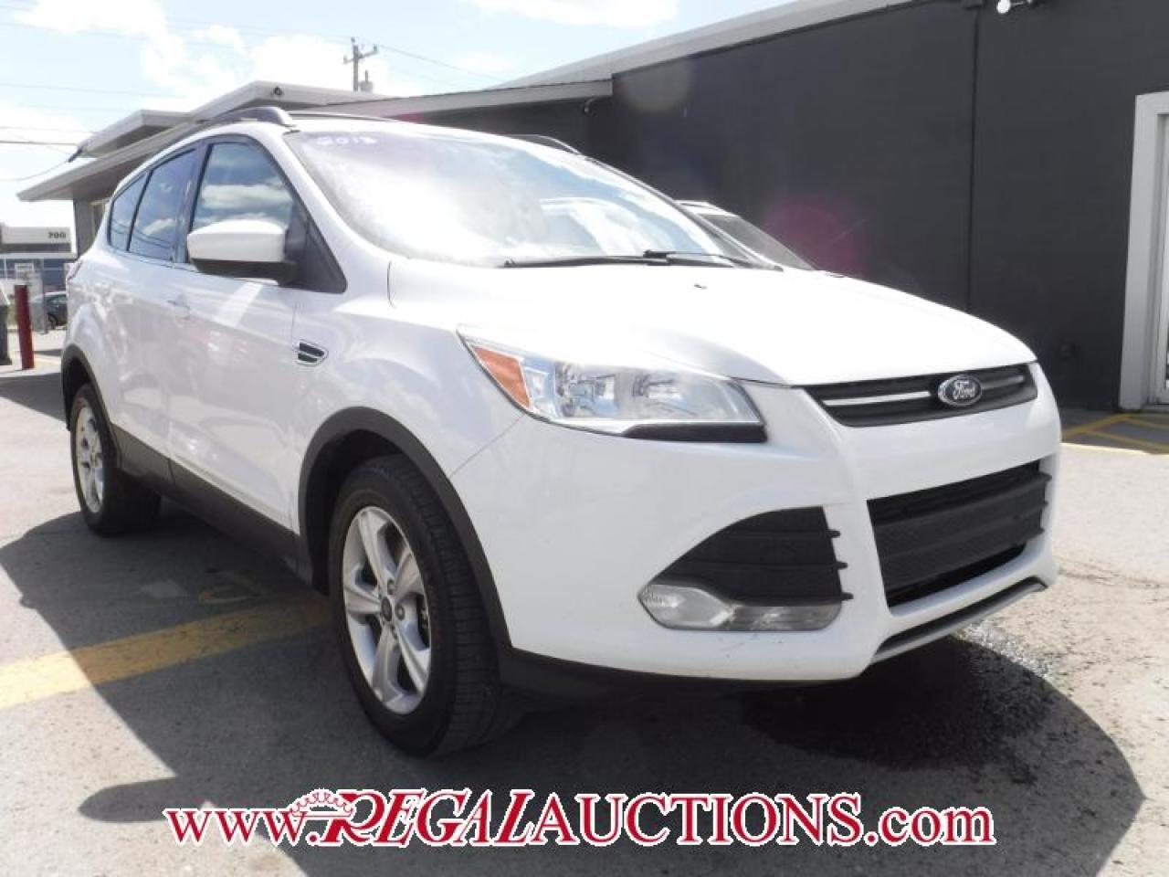 Photo of White 2013 Ford ESCAPE SE 4D UTILITY AWD