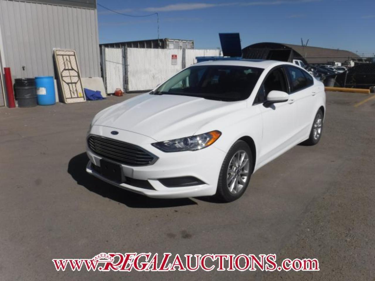 Photo of White 2017 Ford FUSION SE 4D SEDAN FWD 2.5L