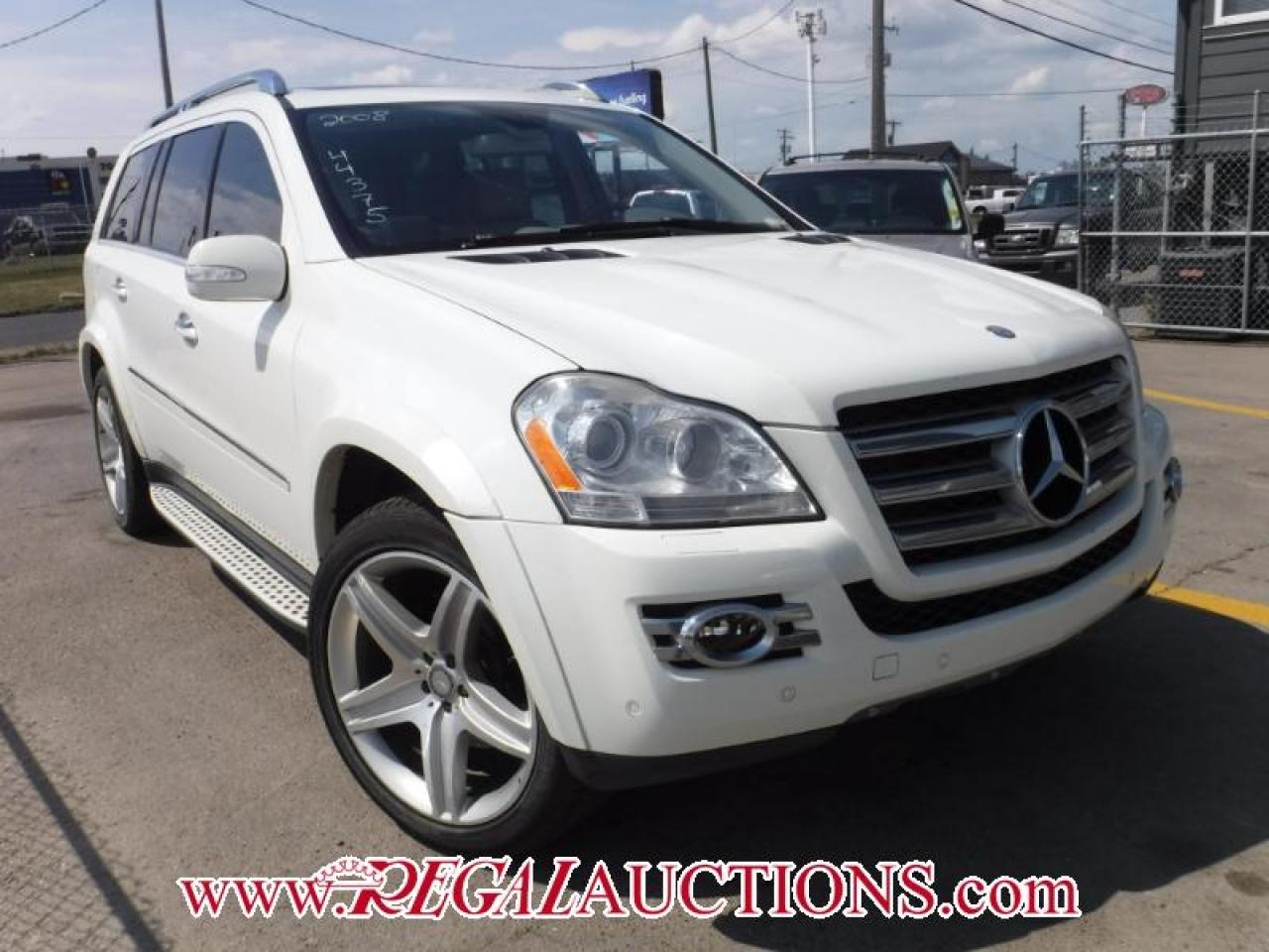 Photo of White 2008 Mercedes-Benz GL-CLASS GL550 4D UTILITY