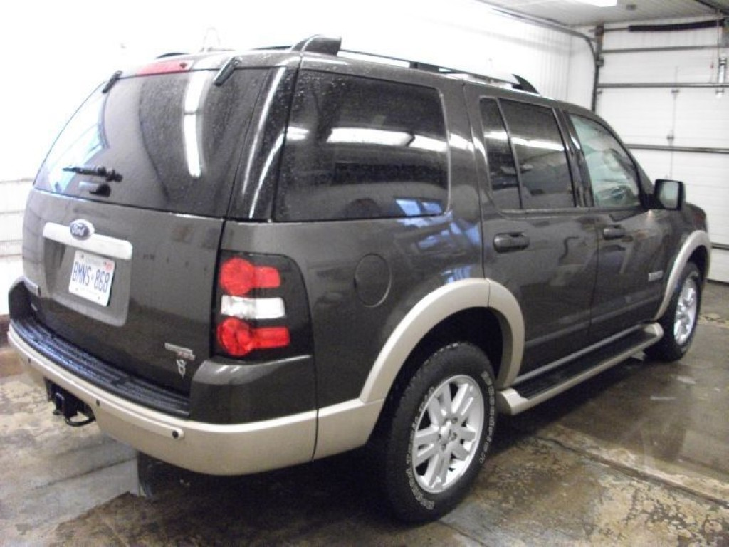 used 2006 ford explorer eddie bauer edition for sale in sutton west ontario. Black Bedroom Furniture Sets. Home Design Ideas