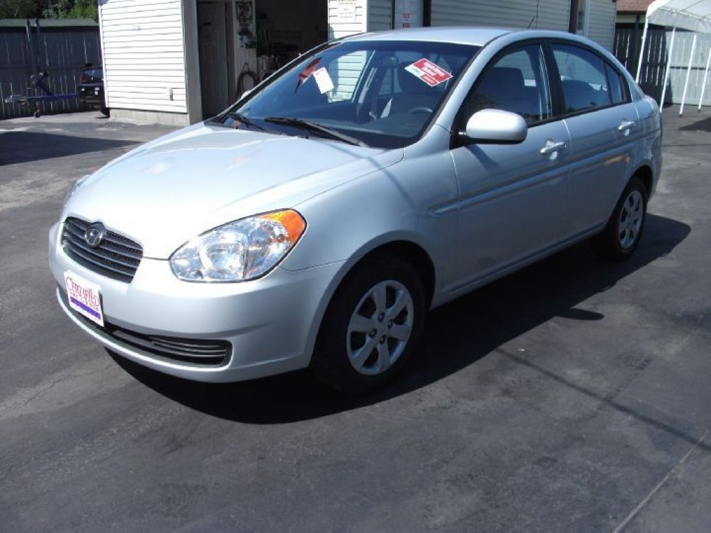 Used 2010 hyundai accent gls for sale in sutton west for Hyundai motor finance pay bill