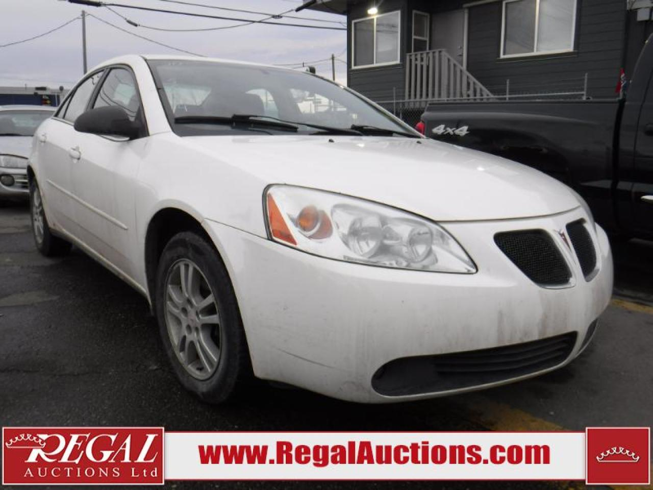 Photo of White 2005 Pontiac G6