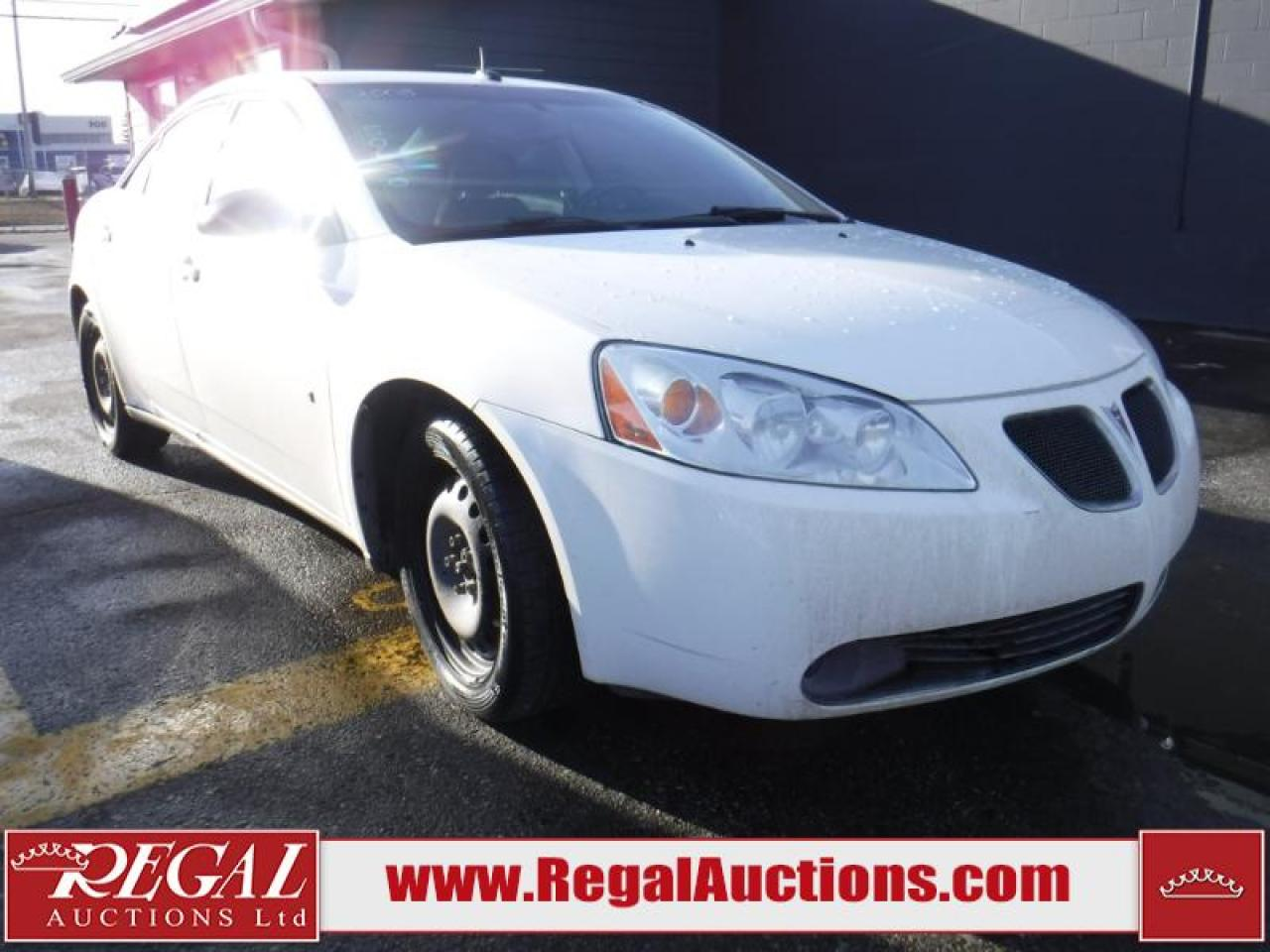 Photo of White 2008 Pontiac G6