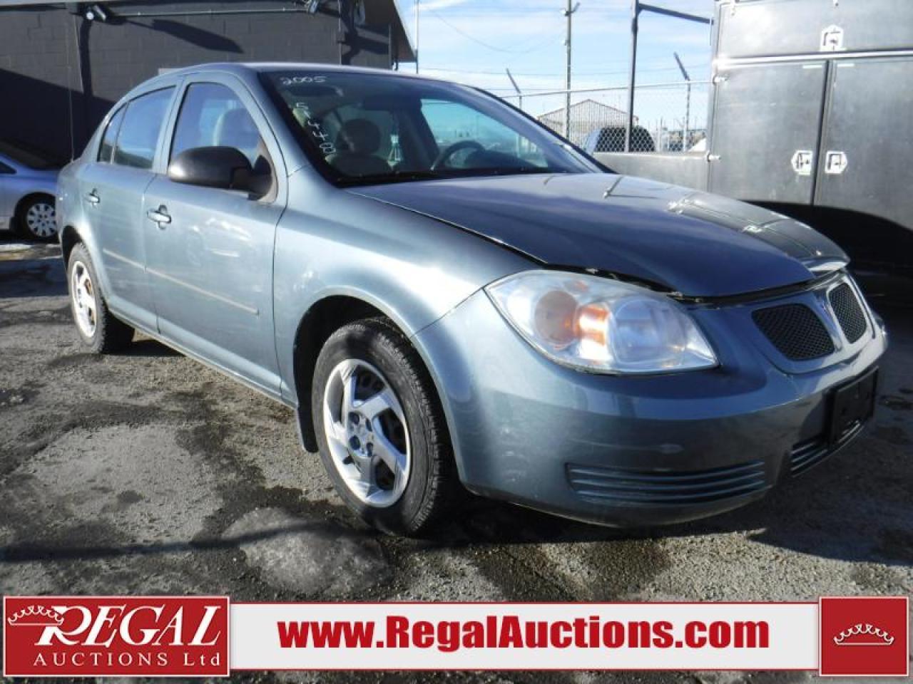 Photo of Blue 2005 Pontiac Pursuit