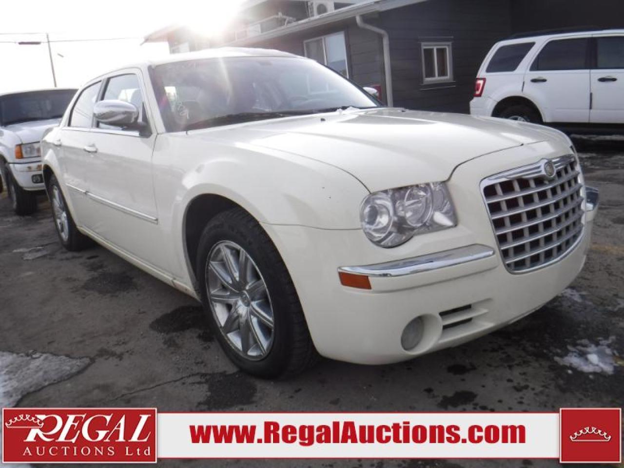 Photo of White 2009 Chrysler 300